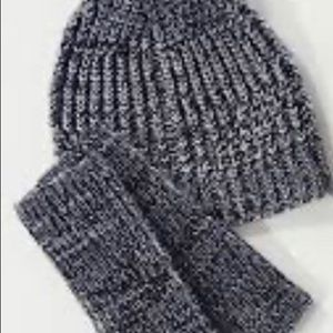 Beanie and arm warmers